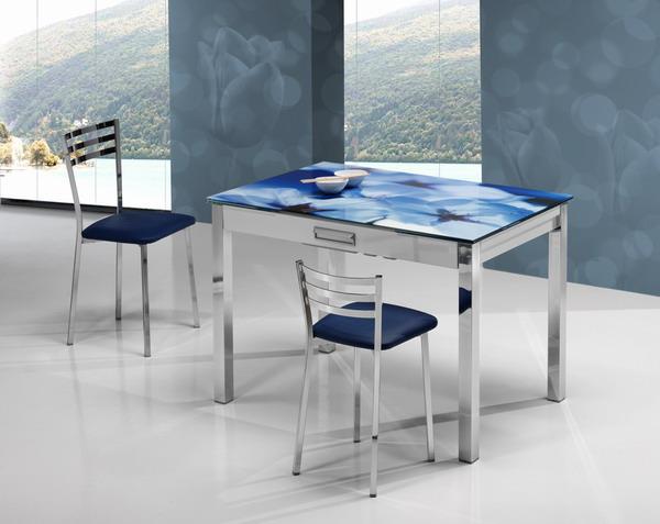 Mesas y sillas cocina estudio for Mesa y sillas escandinavas
